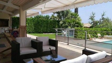 A vendre villa VILLENEUVE LOUBET - Hauts De Vaugrenier - vue verdure -  terrain de 600 m² avec piscine et tennis