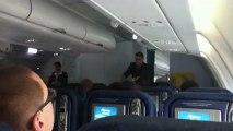 11h08► Enfin, l'Avion roule, recule, tourne.. ✚ Consigne de Sécurité des Hôtes(ses) de l'air ☀ 27/12/2012 Voyage Retour ✈ Paris/Guadeloupe ☺ Yannis Olivier Leborgne Malahël Vol Air Caraïbes Avion Piste Orly