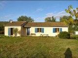 PN2402 Agence immobilière Tarn et Garonne.  St Antonin Noble Val,  maison de plain pied de 140 m² de SH,  3 chambres,   terrain clos et arboré de 3515 m2.