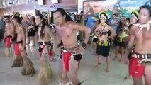 Danse polynésienne à l'aéroport de Faa'a le 28 octobre 2012