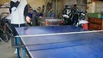 Rebond Balle de ping-pong dans une boîte (3)