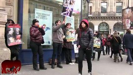 Rassemblement anti vivisection devant l'agence Opera d'Air France (02.03.2013)