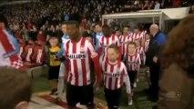 Freistoßtreffer von van Bommel: PSV bleibt an der Spitze