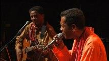 Mahaleo - Embona sy Hanina- Live à l'Olympia