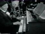 Marx Brothers - Chico au piano