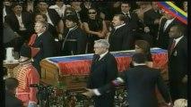 Vénézuéliens et hommes d'Etat aux funérailles d'Hugo Chavez