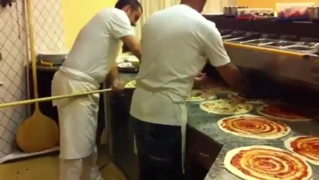 Pizza Allitaliana Con Mario Petrolo