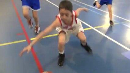 Match de l'Elan Sportif Chalonnais vs CBC Basket Mini Poussin