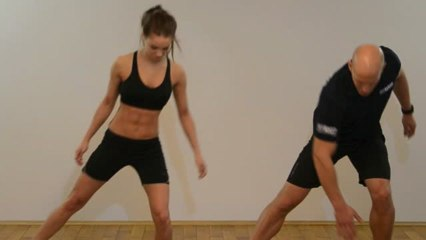 Fitnessmodel trainiert mit Fit Team