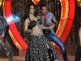 Exclusive Sunny Leones Item Song For Shootout At Wadala