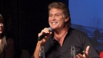 David Hasselhoff campaigns against demolition of Berlin Wall