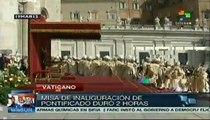 Miles de fieles dan calurosa bienvenida al papa Francisco
