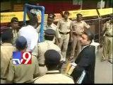 SC sentences Sanjay Dutt to 5 years in jail, Yakub Memon gets death