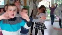 chorégraphie de shakira par les enfants du Centre de Loisirs