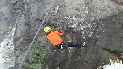 Entraunes Ice climbing DailyMotion