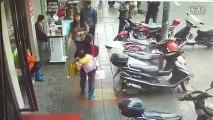 Chine : Un voleur de téléphone se fait calmer