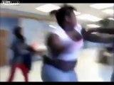 Fille obèse vs fille maigre baston