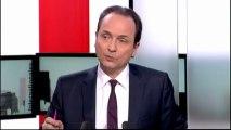"""Popularité : François Hollande """"entend les sondages, mais ne se laisse pas abattre"""""""