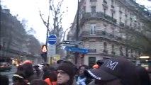 """Devant le siège du Parti socialiste/ Frank Lutté: """"Pourquoi la France n'aime pas Gbagbo..."""""""