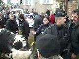 Beauvais : manifestation des agriculteurs devant la préfecture