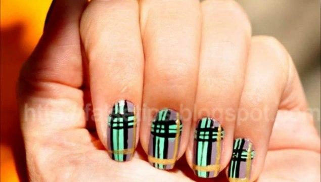 Burberry Desenli Oje Manikür Burberry print nail art
