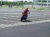 Stunter du 91 wheeling sans les mains