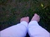 Pieds nus dans l'herbe!