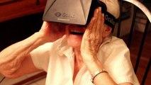 Granny testing Oculus Rift / Старушка тестирует Oculus Rift