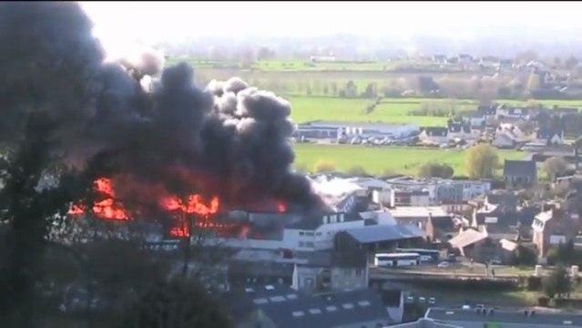 Avranches : incendie de l'entrepôt de bois Blanchet SA