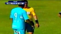 Little dog invades the pitch in Peru