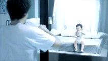Reflet (Pub Safia) - Plagiat Pub Evian Baby & Me