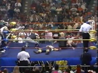 39. 90-12-16 Doom vs. Barry Windham & Arn Anderson (Street Fight - Starrcade)
