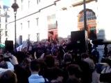 "Mariage gay : Najat Vallaud-Belkacem et Dominique Bertinotti arrivent à la Mairie du 4e sous les ""merci, merci, merci!"""