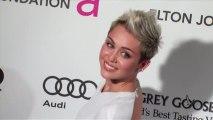 Miley Cyrus enlève sa bague de fiançailles après une dispute avec Liam Hemsworth
