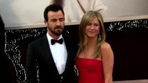 Jennifer Aniston and Justin Theroux Delay the Wedding!