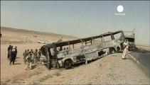 Afganistan'da otobüs kazası: 40 ölü