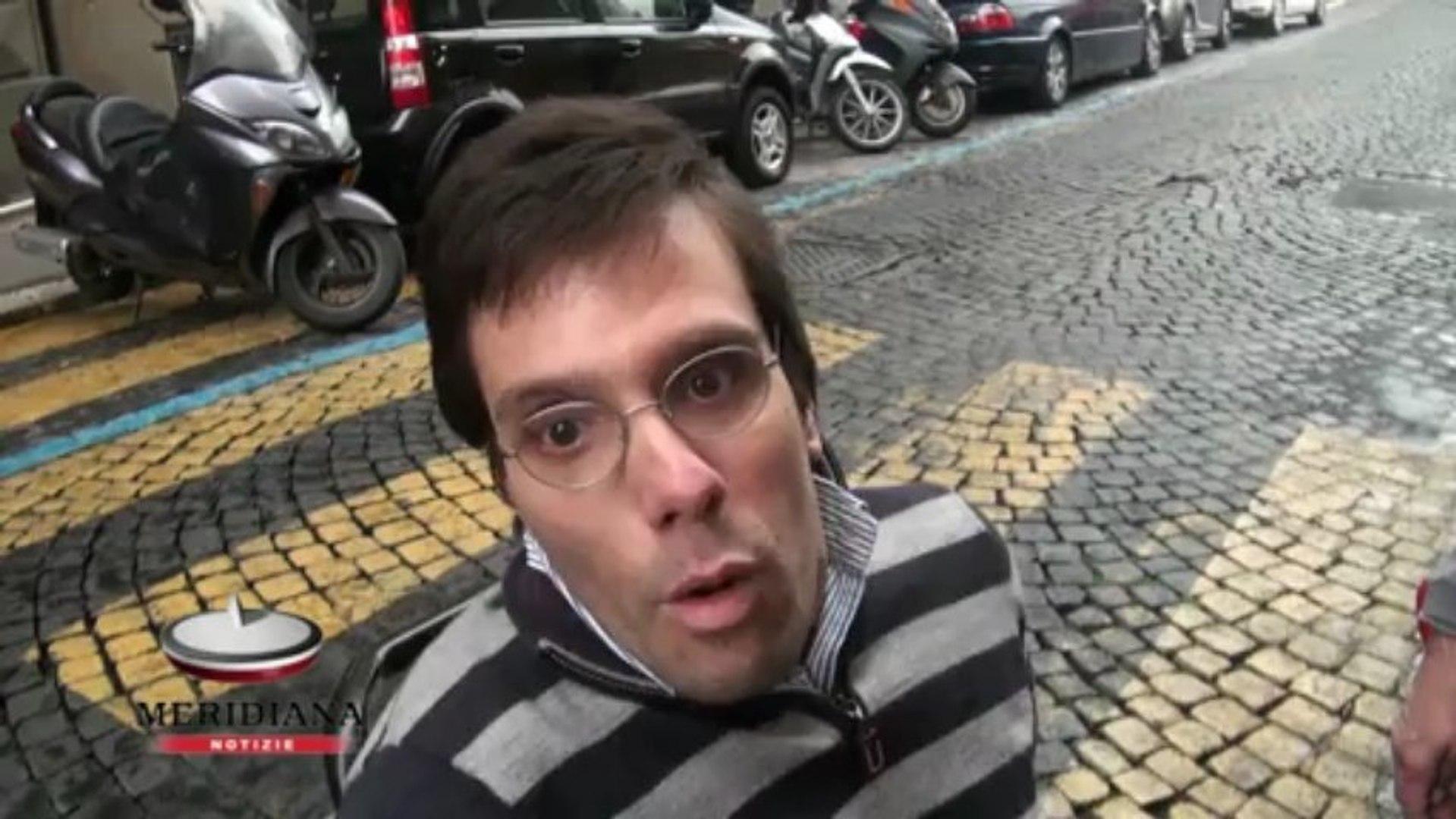 A spasso con Carlo, Sabrina Alfonsi tra le difficoltà di chi vive il centro su una sedia a rotelle