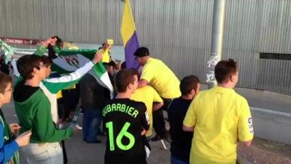 """La afición despidió a los jugadores al grito de """"¡ - Vídeos de La afición de la UD Las Palmas"""