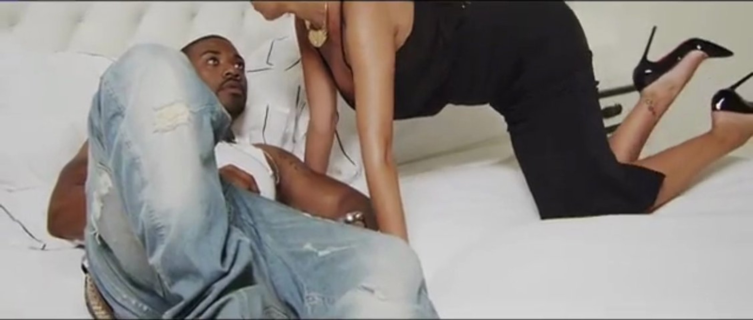 Ray J Feat. Bobby Brackins - I Hit It First  (Official Music Video)