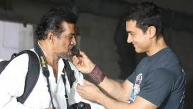 Aamir Khan Celebrates 25 Years In Bollywood With Media !