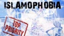 UK police hunt Islamic Centre arsonists