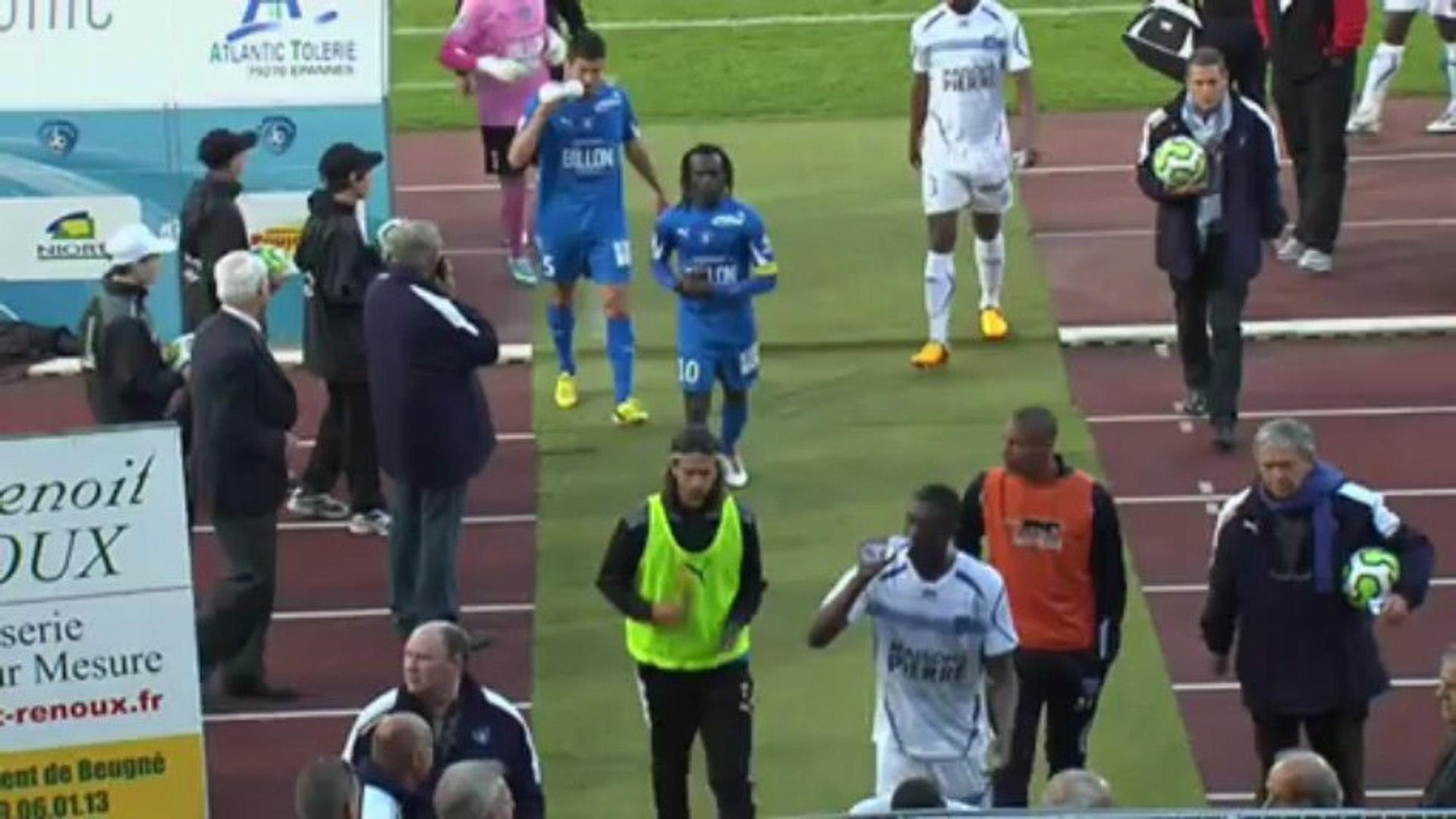 Chamois Niortais (NIORT) - AJ Auxerre (AJA) Le résumé du match (35ème journée) - saison 2012/2013