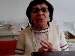 Rosaria Mannino canta Azzurro di Adriano Celentano e il regista mostra il suo volto