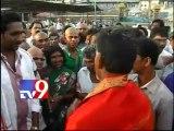 Chandrababu visits Tirumala, wishes that TDP return to power