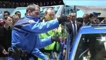 Opération coup de poing de Greenpeace sur le stand Volkswagen au salon de Genève