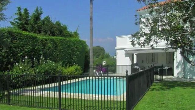 Location saisonnière au Cap Antibes 06160 - Villa 350m2 - vue mer - piscine