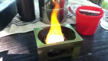 LOGOS製コンロに市販の固形燃料を使う /  LOGOS made pocket tablet stove set