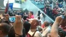L'accueil des supporters à l'aéroport de Toulon-Hyères