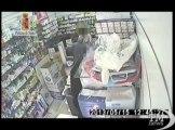 Palermo, rapina farmacia ma si dimentica il grosso del bottino. Minaccia titolare con coltello, arrestato con 70 euro in tasca
