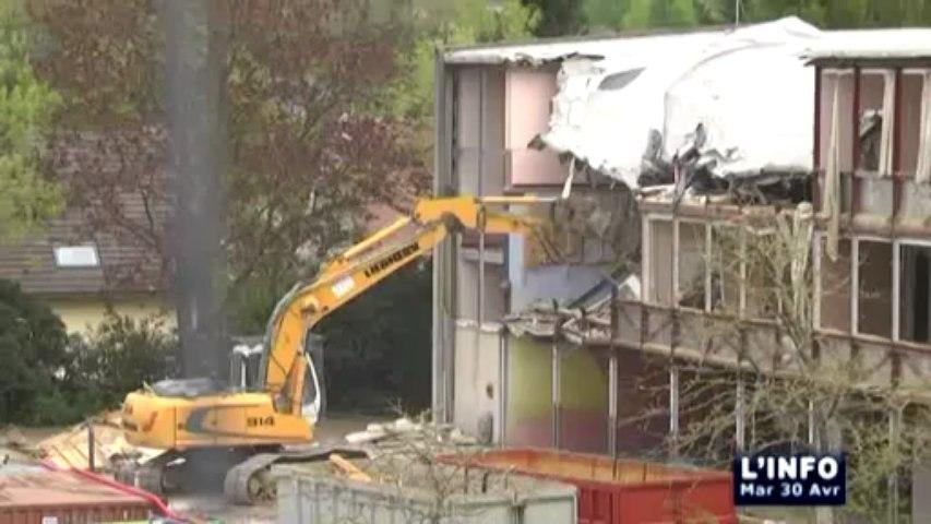 Déconstruction de l'ancienne école Albert CAMUS de Coulaines : l'info LMTV du 30 avril 2013